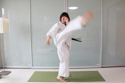 th_石岡選手回し蹴り6069.jpg