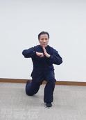 th_気功法連続写真4.jpg